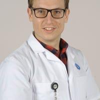 Dr.   Noordstar