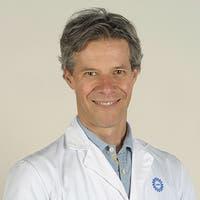 Dr.   van  Montfrans