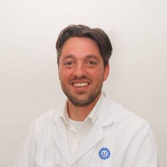 Dr.   Woerdeman