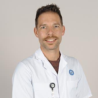 Dr.   Zoet