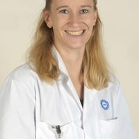 Dr.   Nijhof