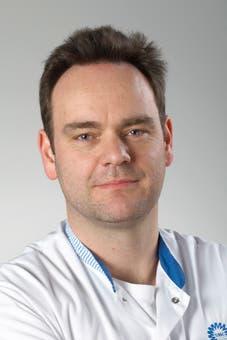 Prof. dr.   Cremer