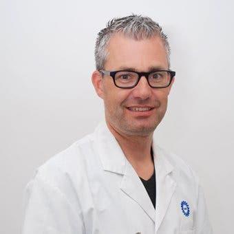 Dr.    Boelens
