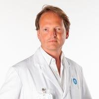 Dr.   Menger