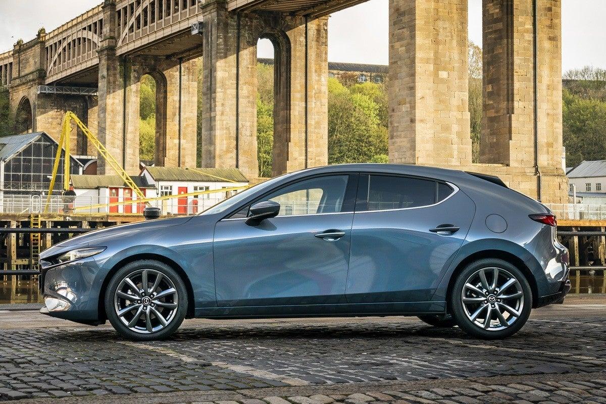 Mazda 3 (2019) left exterior