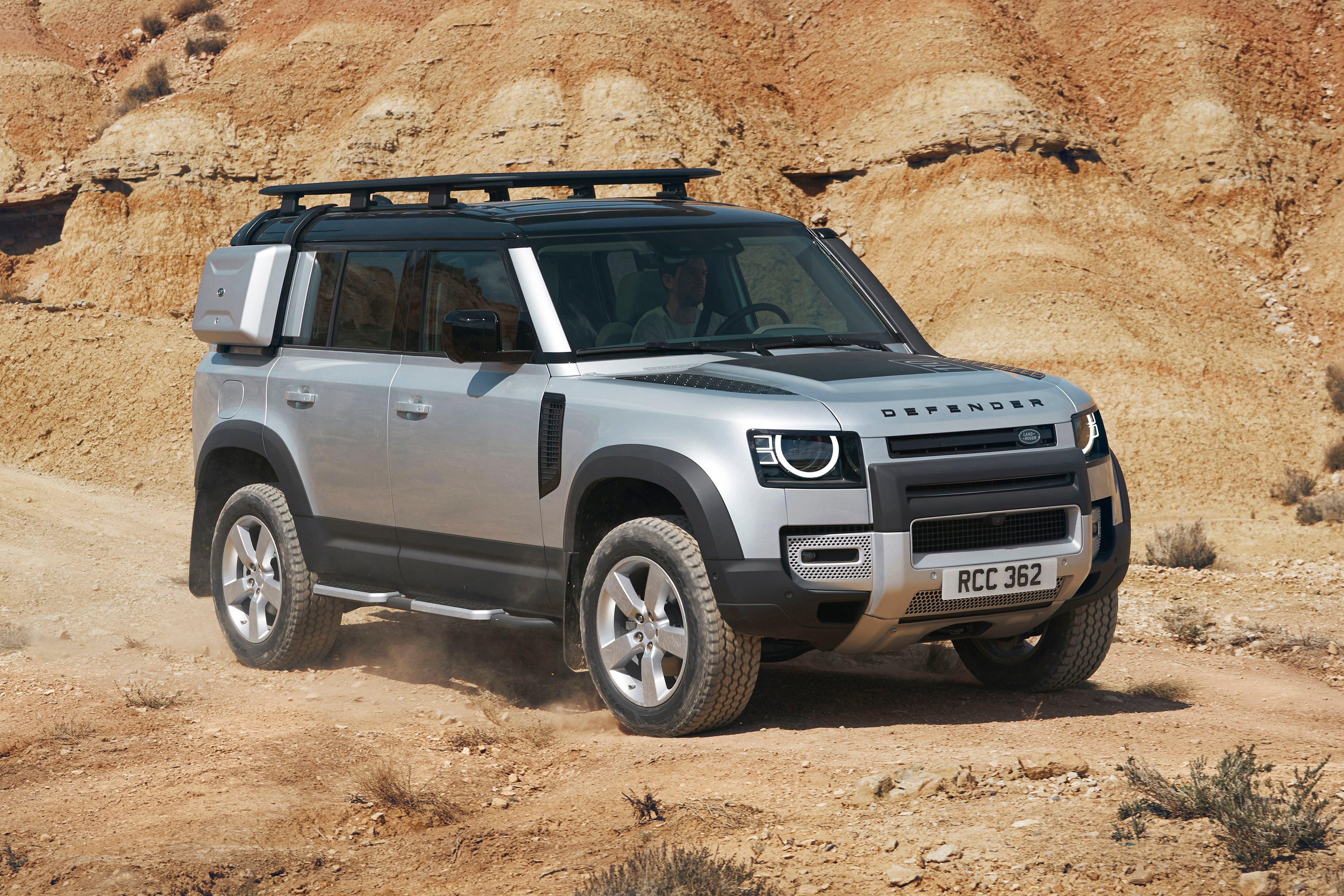 Land Rover Defender 110  frontright exterior