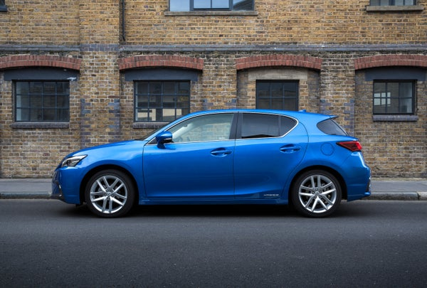 Lexus CT200h left exterior