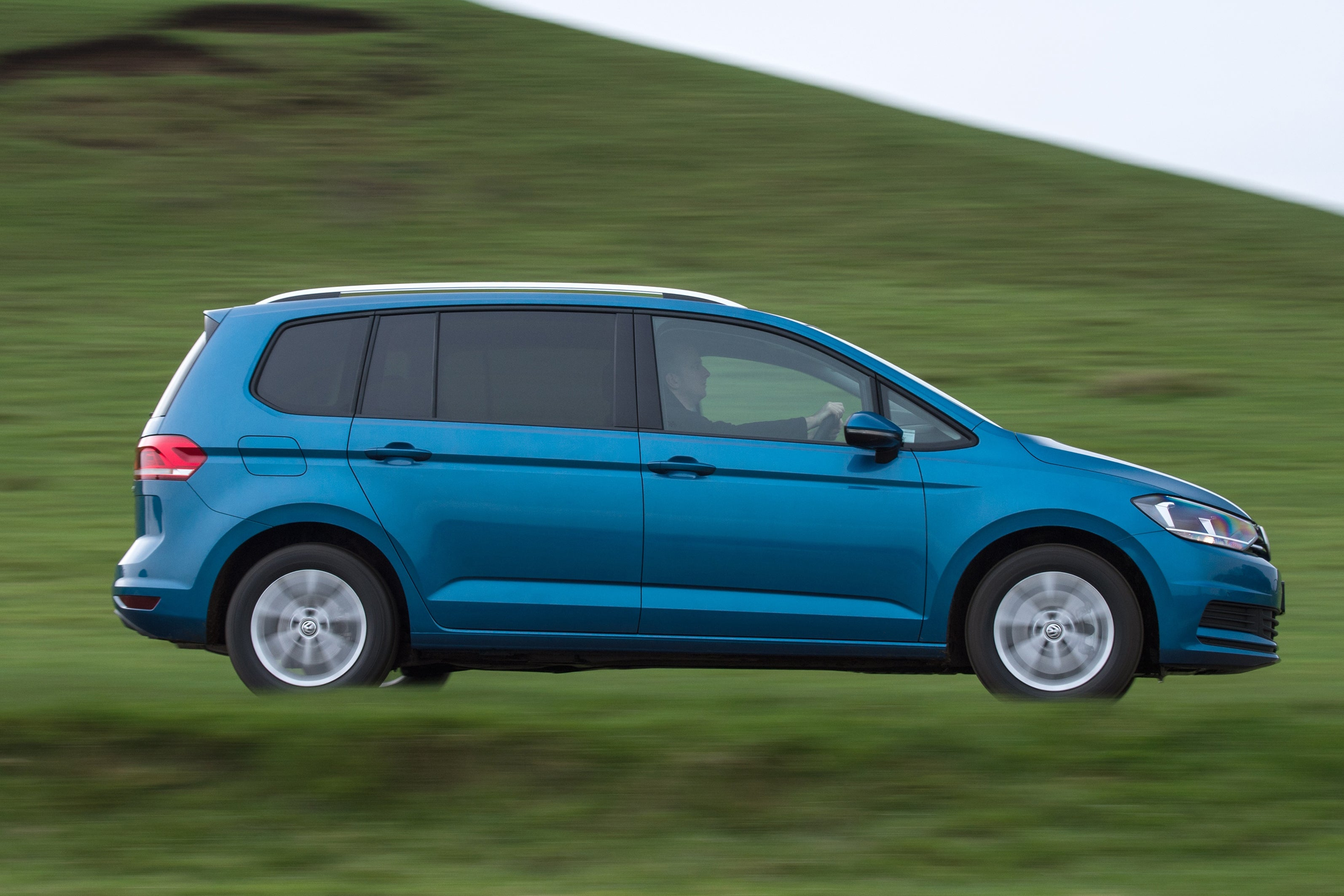 Volkswagen Touran driving side