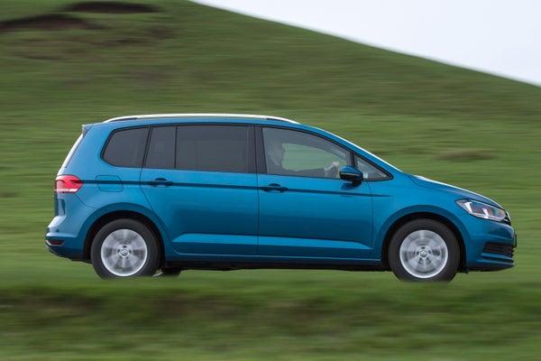 Volkswagen Touran driving side