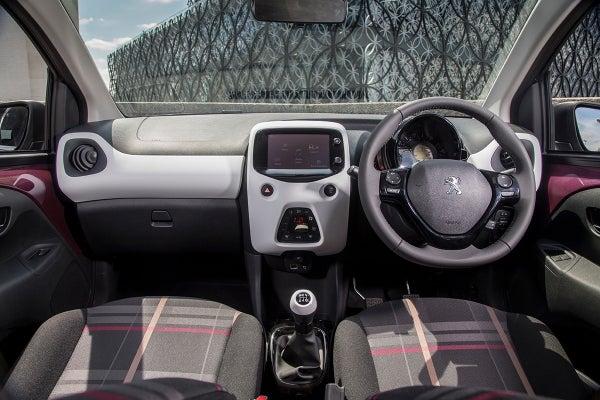Peugeot 108 front interior