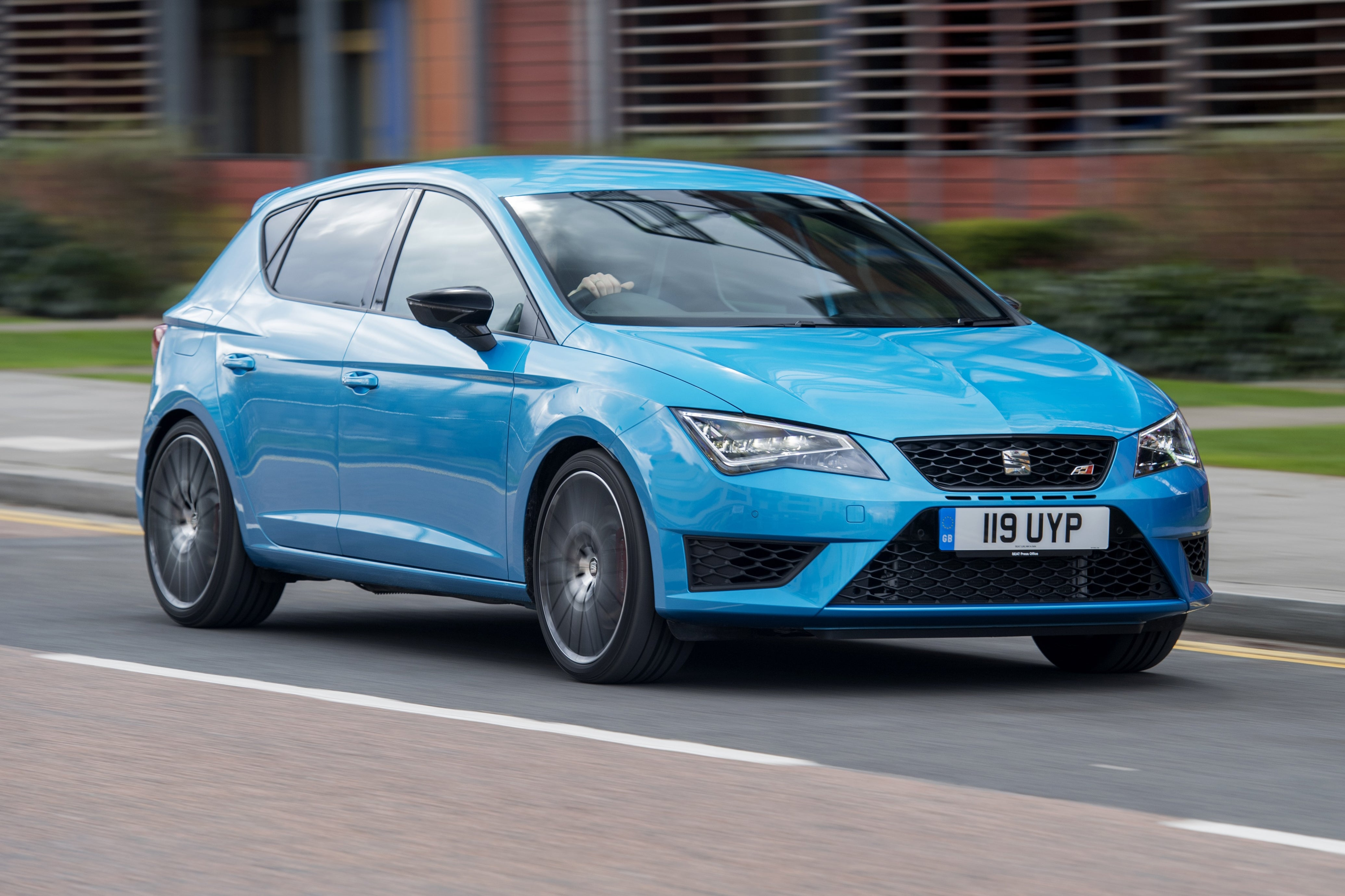 SEAT Leon Cupra Front Side View