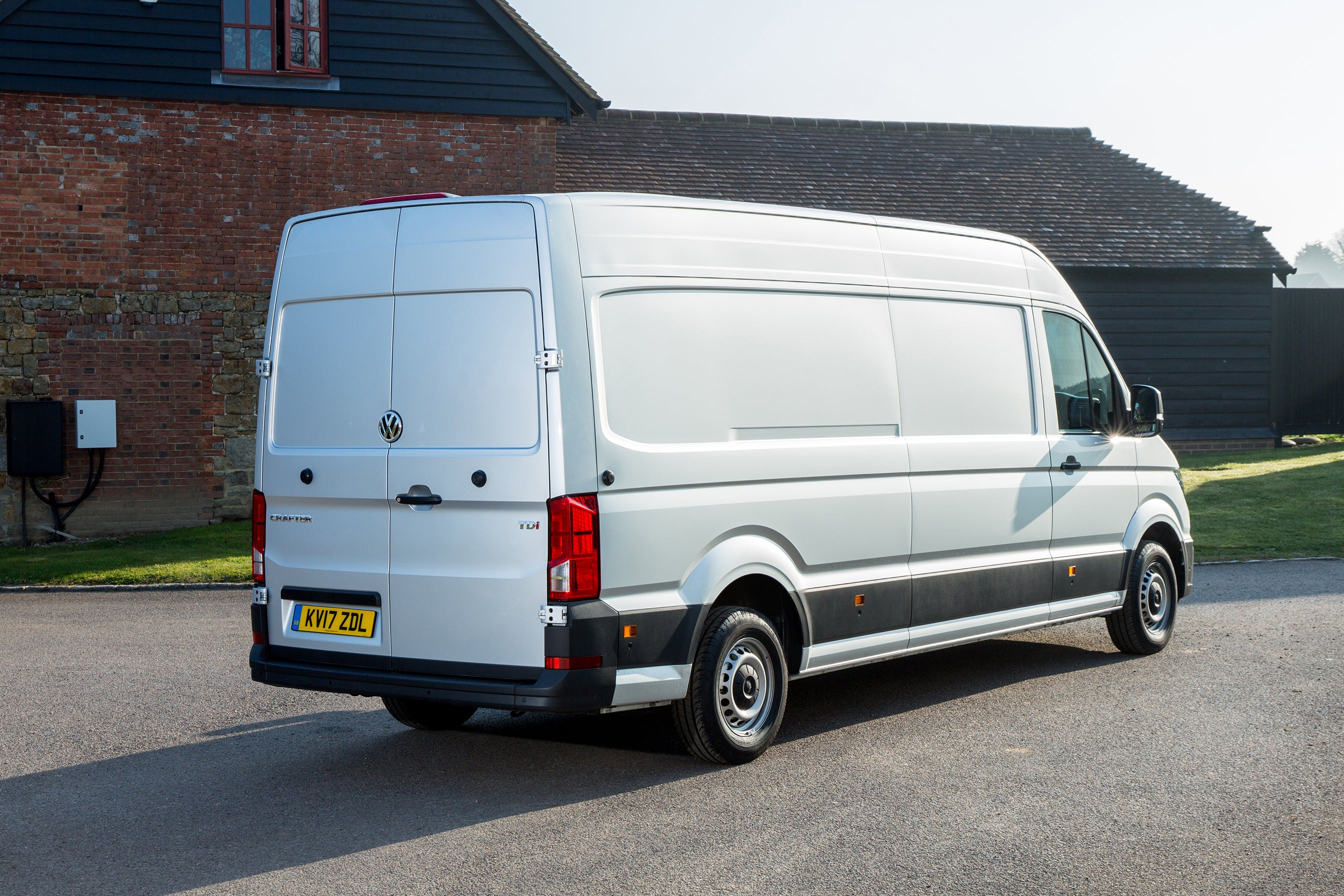 Volkswagen Crafter Rear Side View