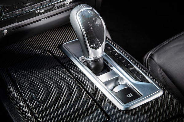 Maserati Ghibli gearstick