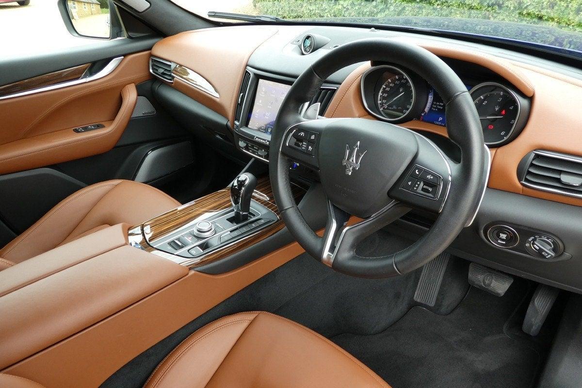 Maserati Levante front interior