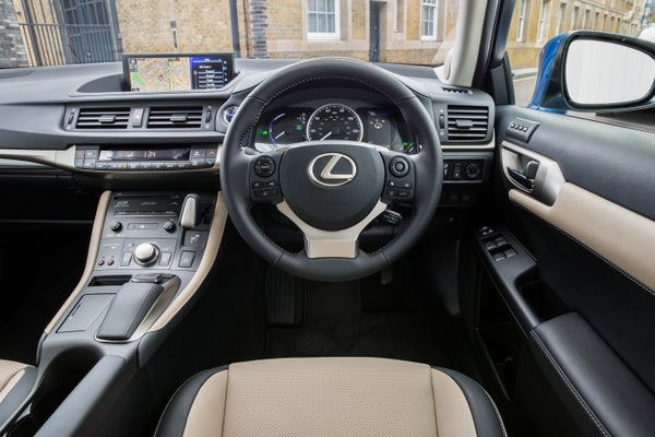 Lexus CT200h front interior