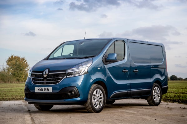 Renault Trafic Front Side View