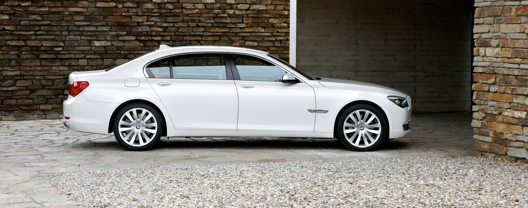 BMW 7 Series side profile