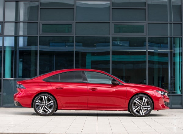 Peugeot 508 Right Side View