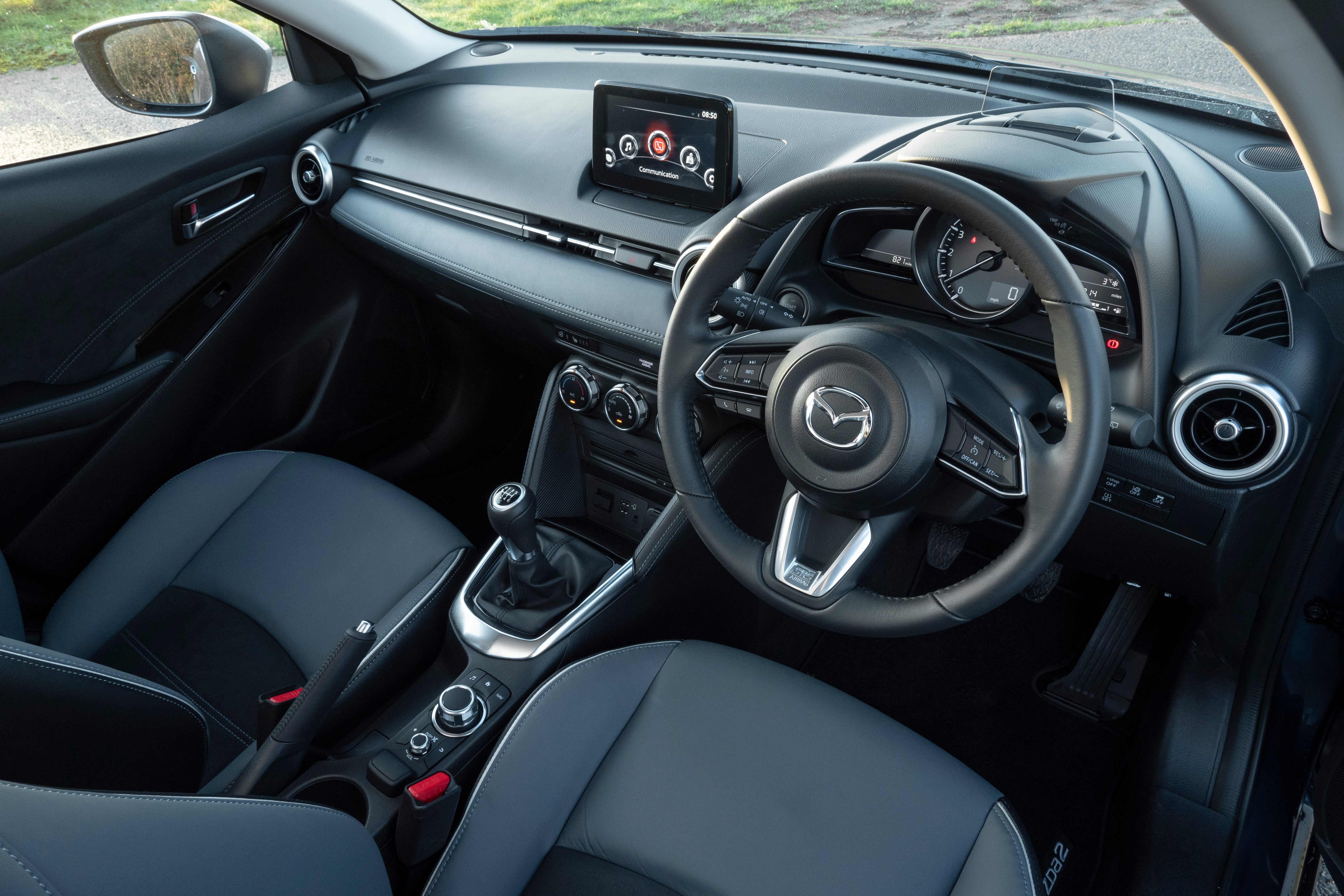 Mazda 2 interior dash