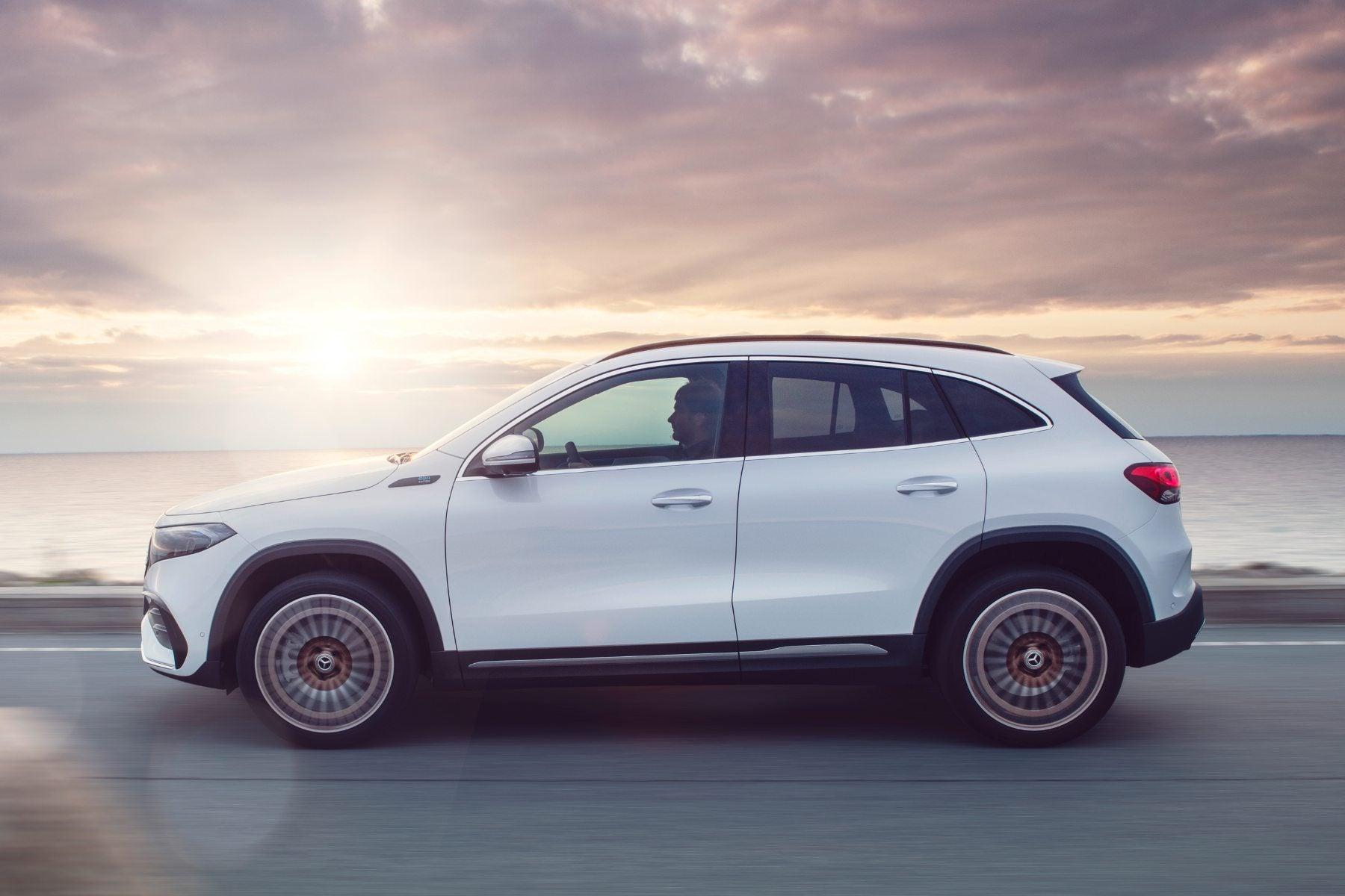 Mercedes-Benz EQA exterior moving