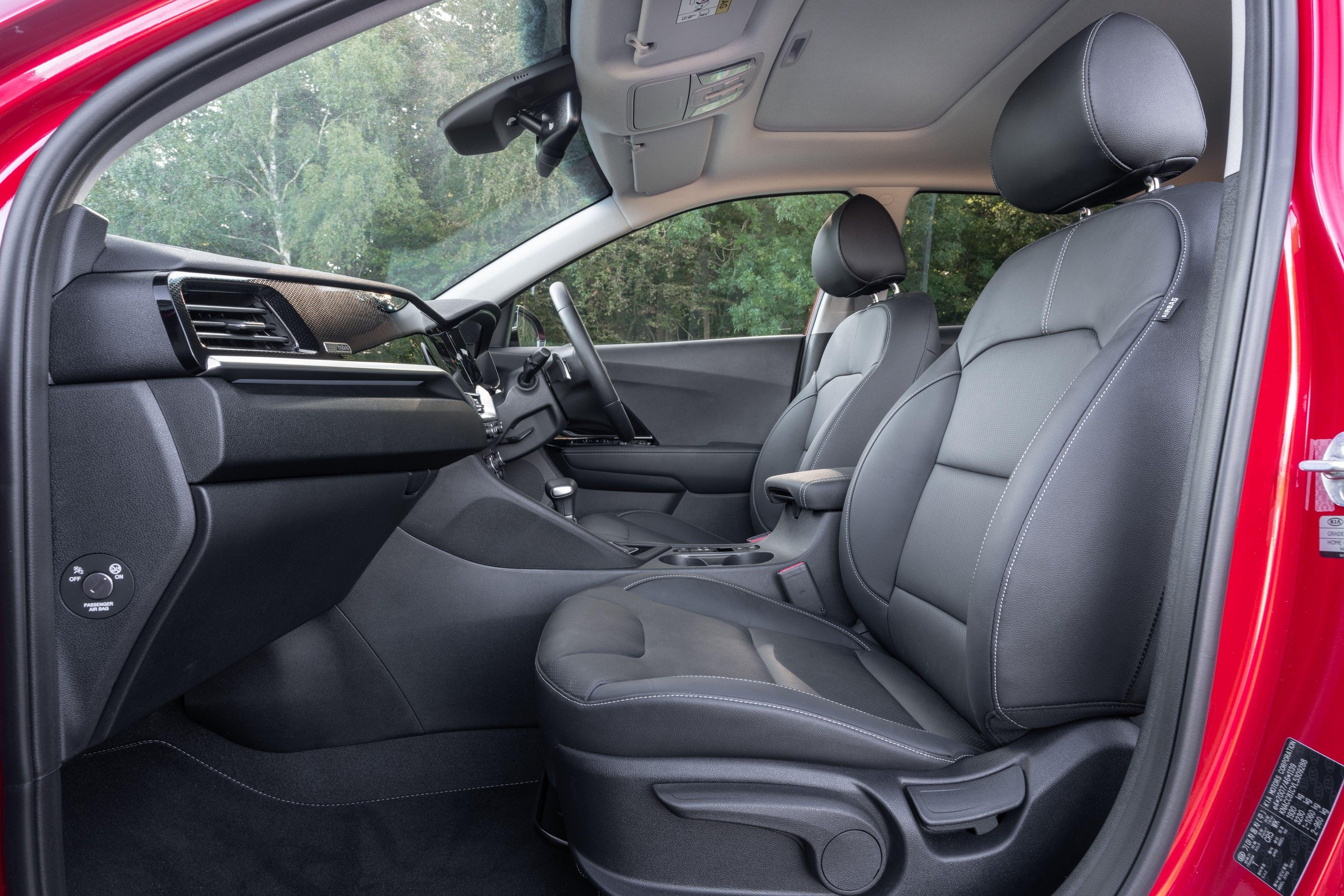 Kia Niro (2016) front interior