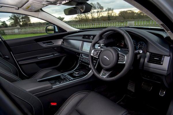 Jaguar XF Sportbrake frontright interior