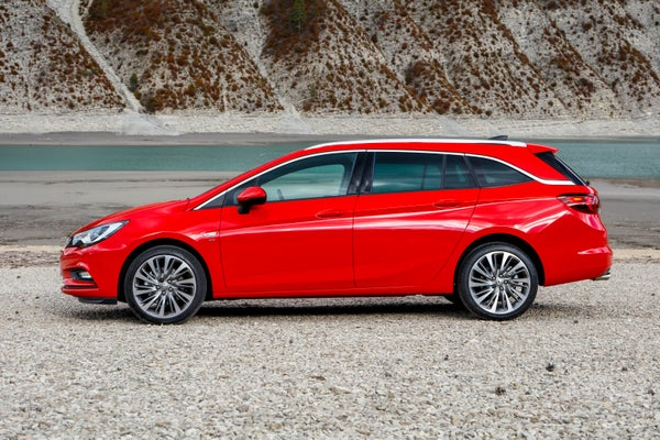 Vauxhall Astra Sports Tourer Left Side View