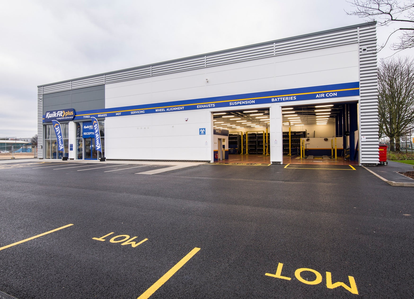 Kwik fit MoT centre