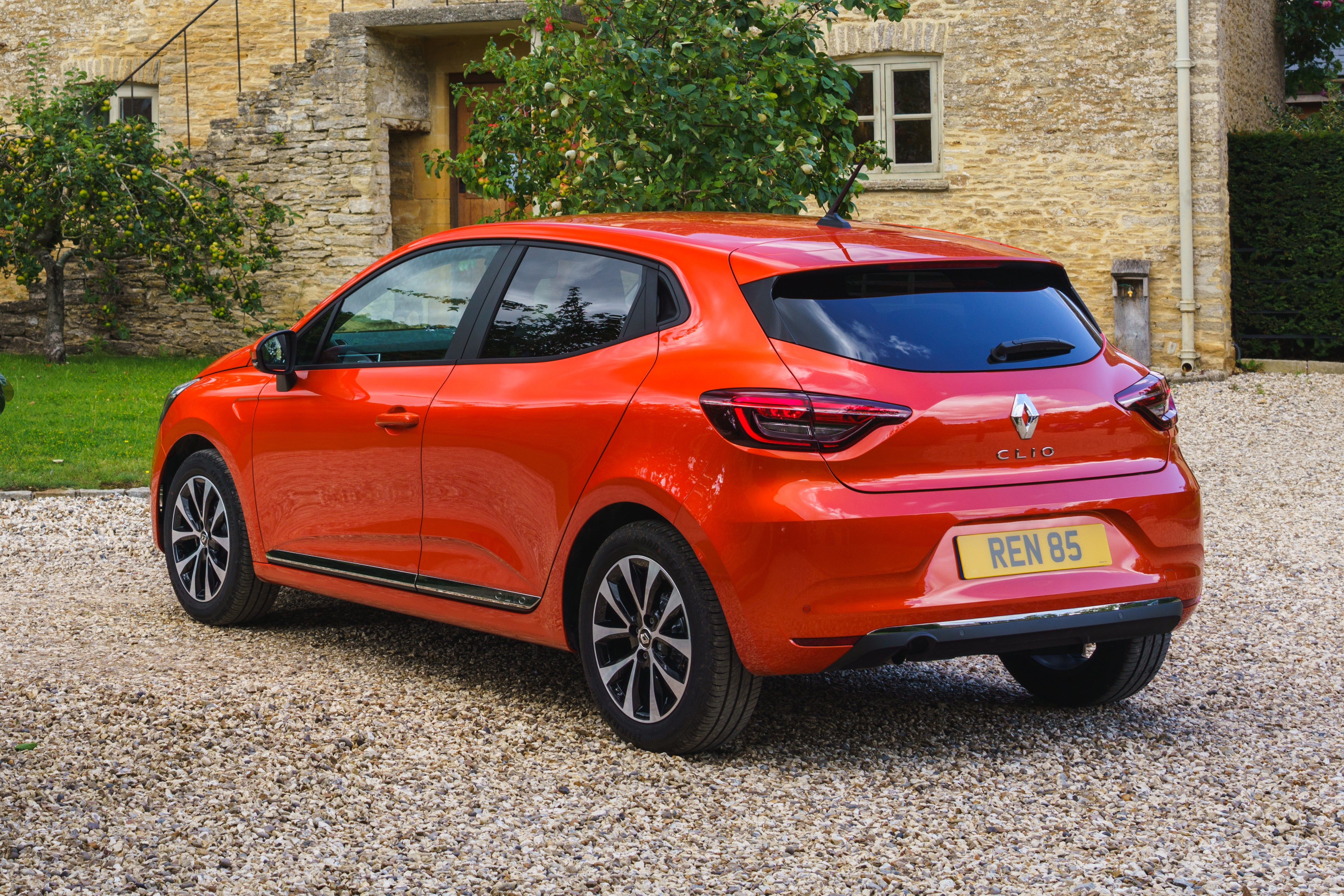 Renault Clio Left Side View