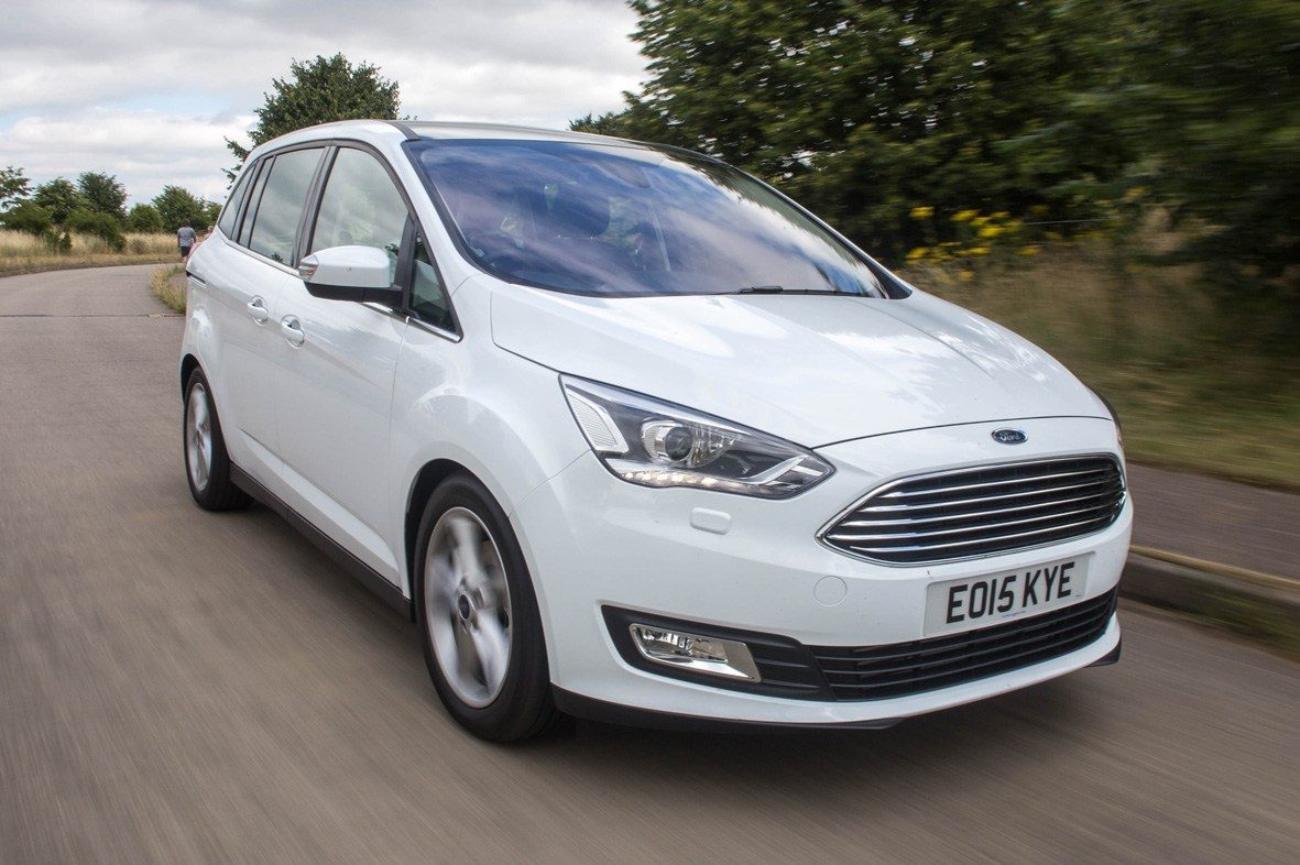 Ford Grand C-MAX Driving
