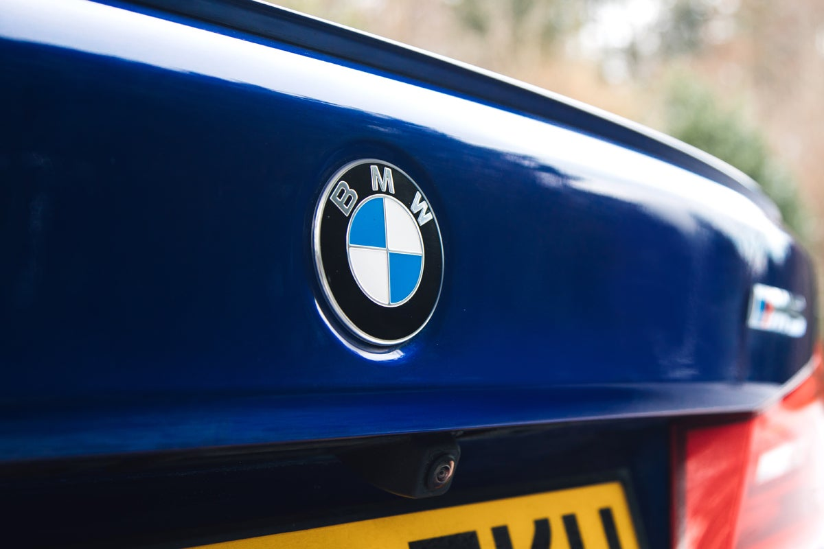 BMW M% badge