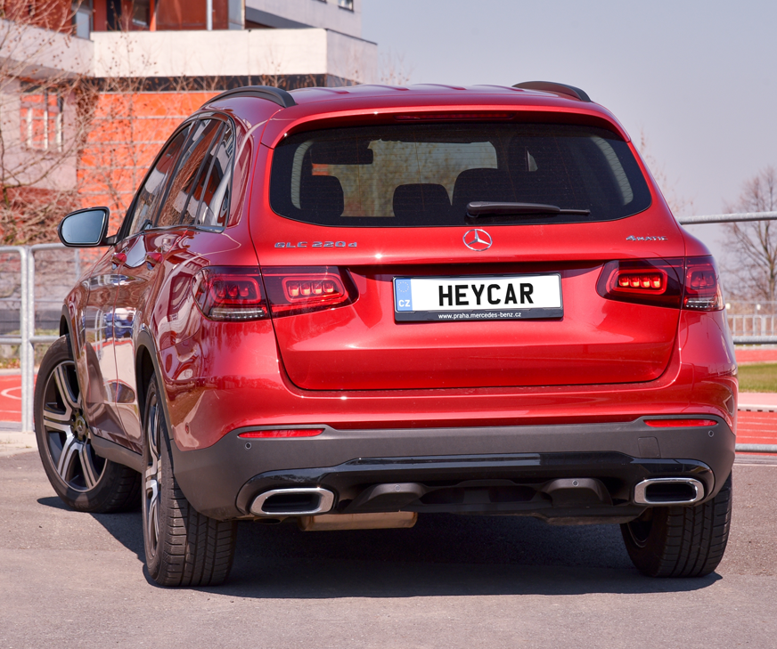 Mercedes-Benz GLC in red - rear view