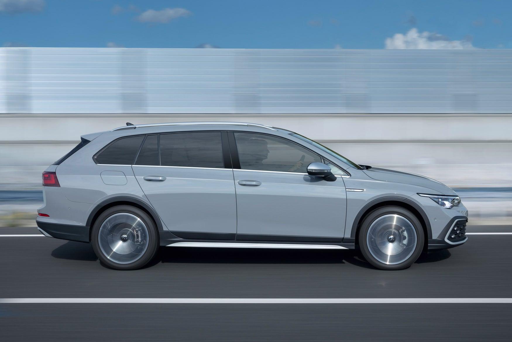 Volkswagen Golf Alltrack grey exterior side profile dynamic