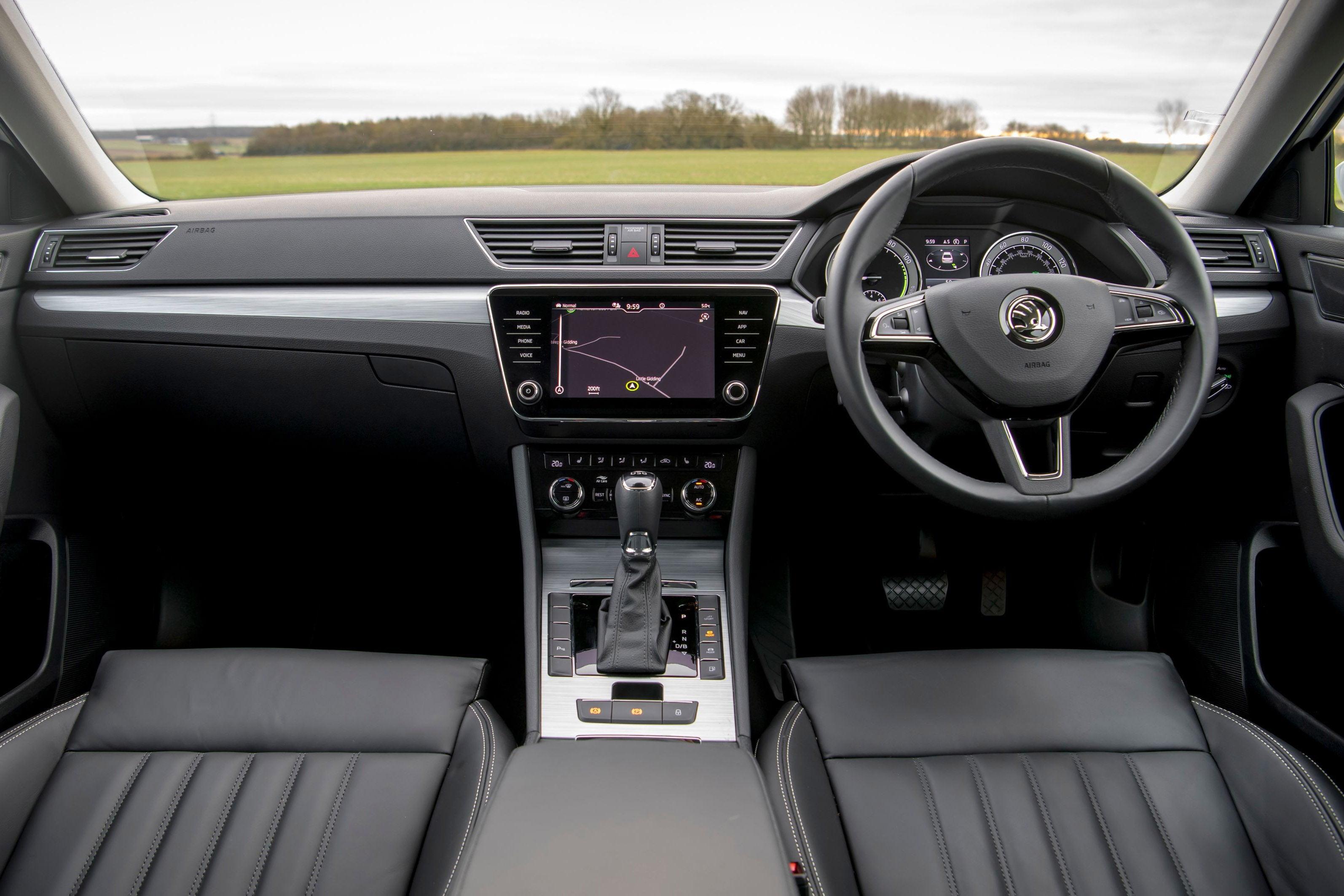 Skoda Superb 2021 interior