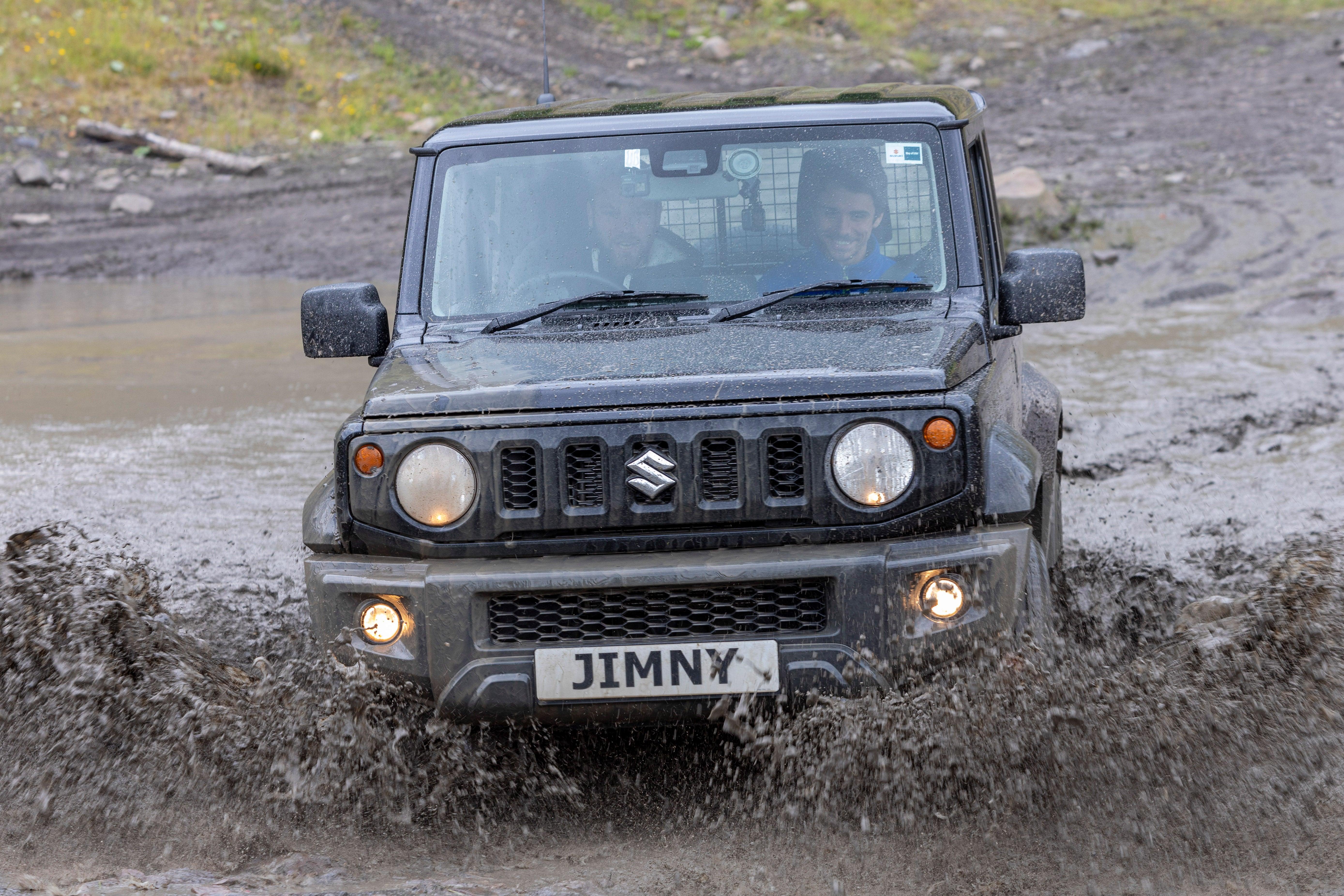 Suzuki Jimny Commercial dynamic off road