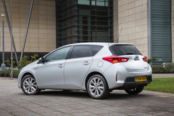 Toyota Auris Rear Side View