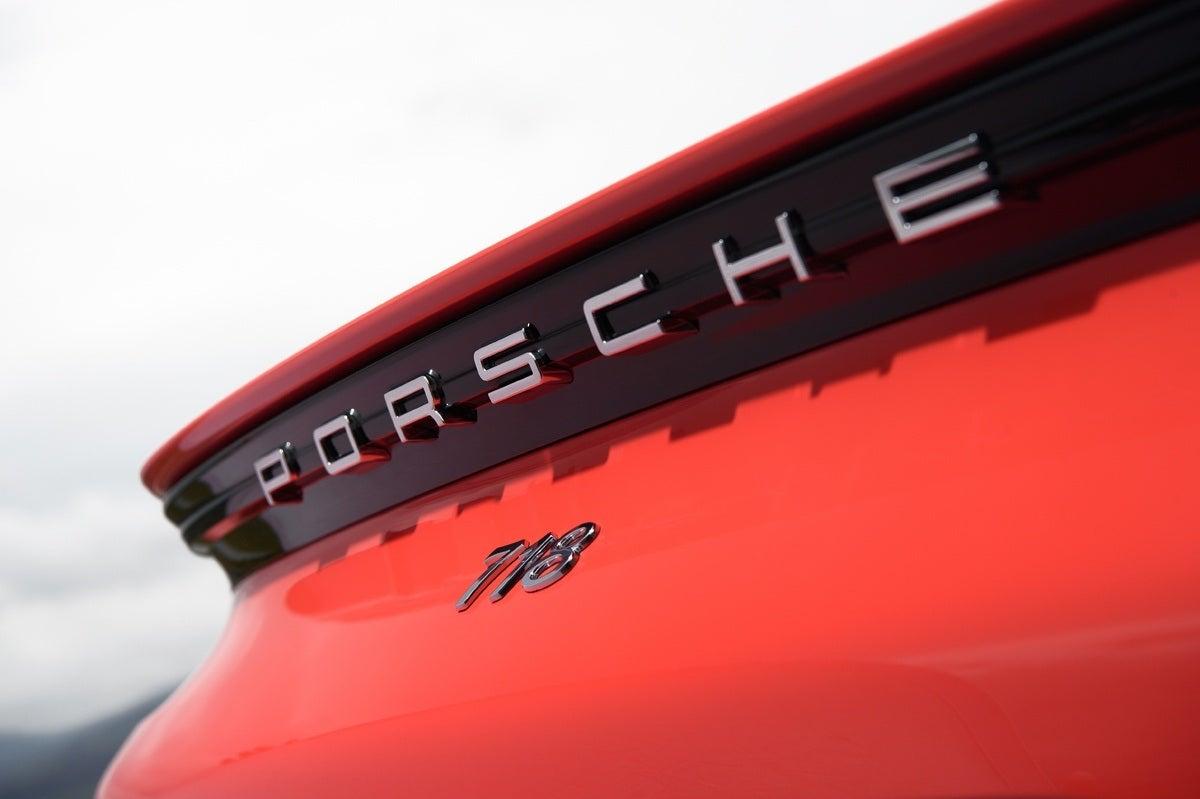 Porsche 718 badge