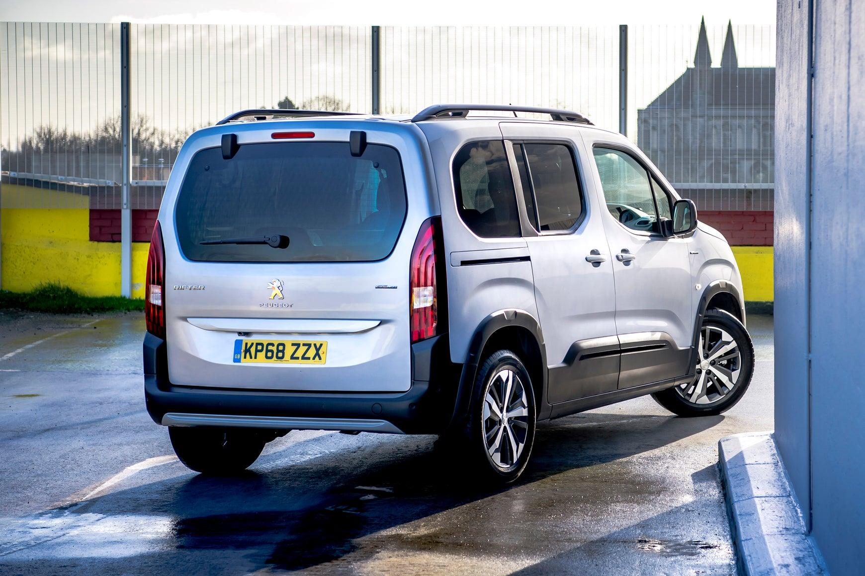 Peugeot Rifter rear