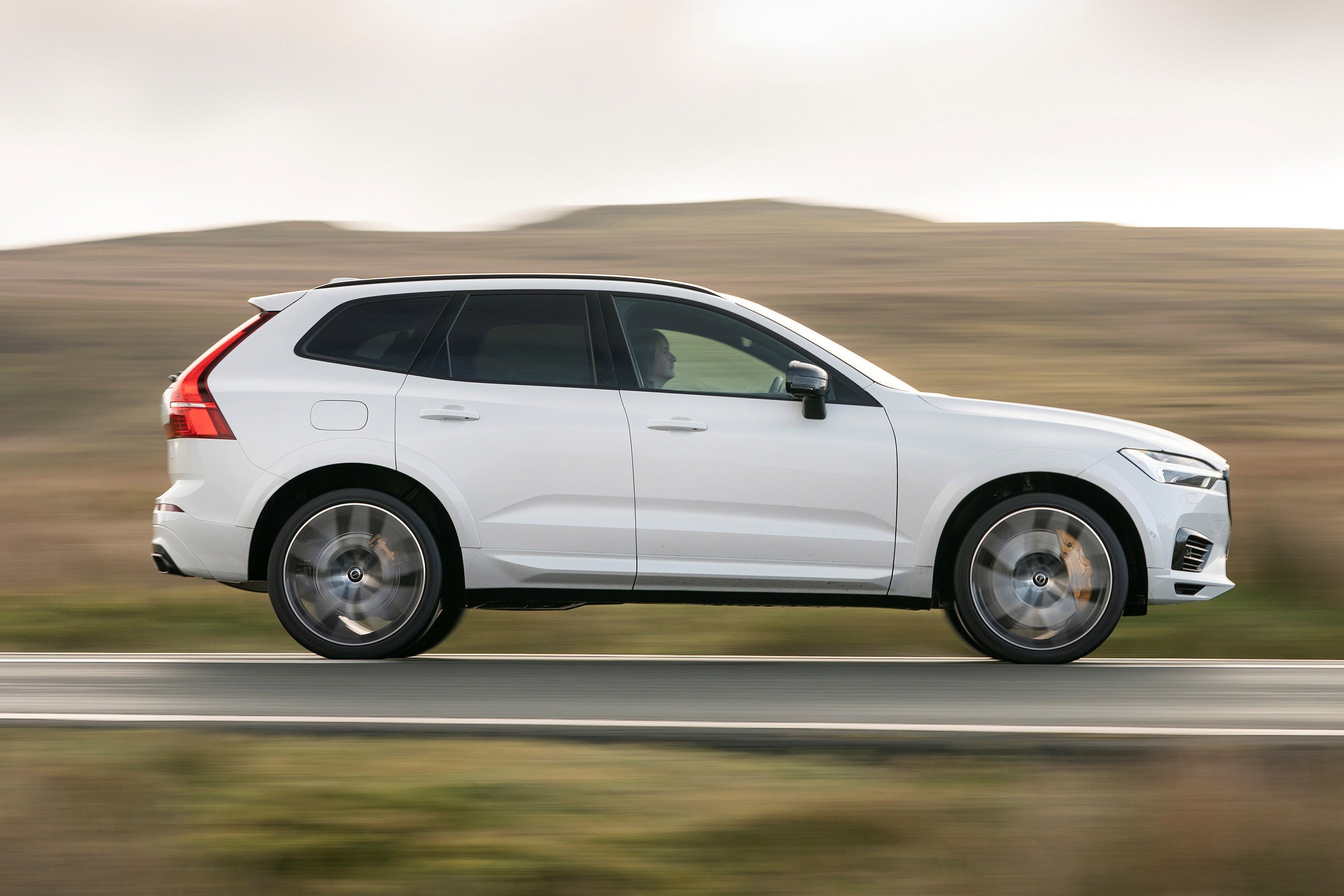Volvo XC60 Right Side View