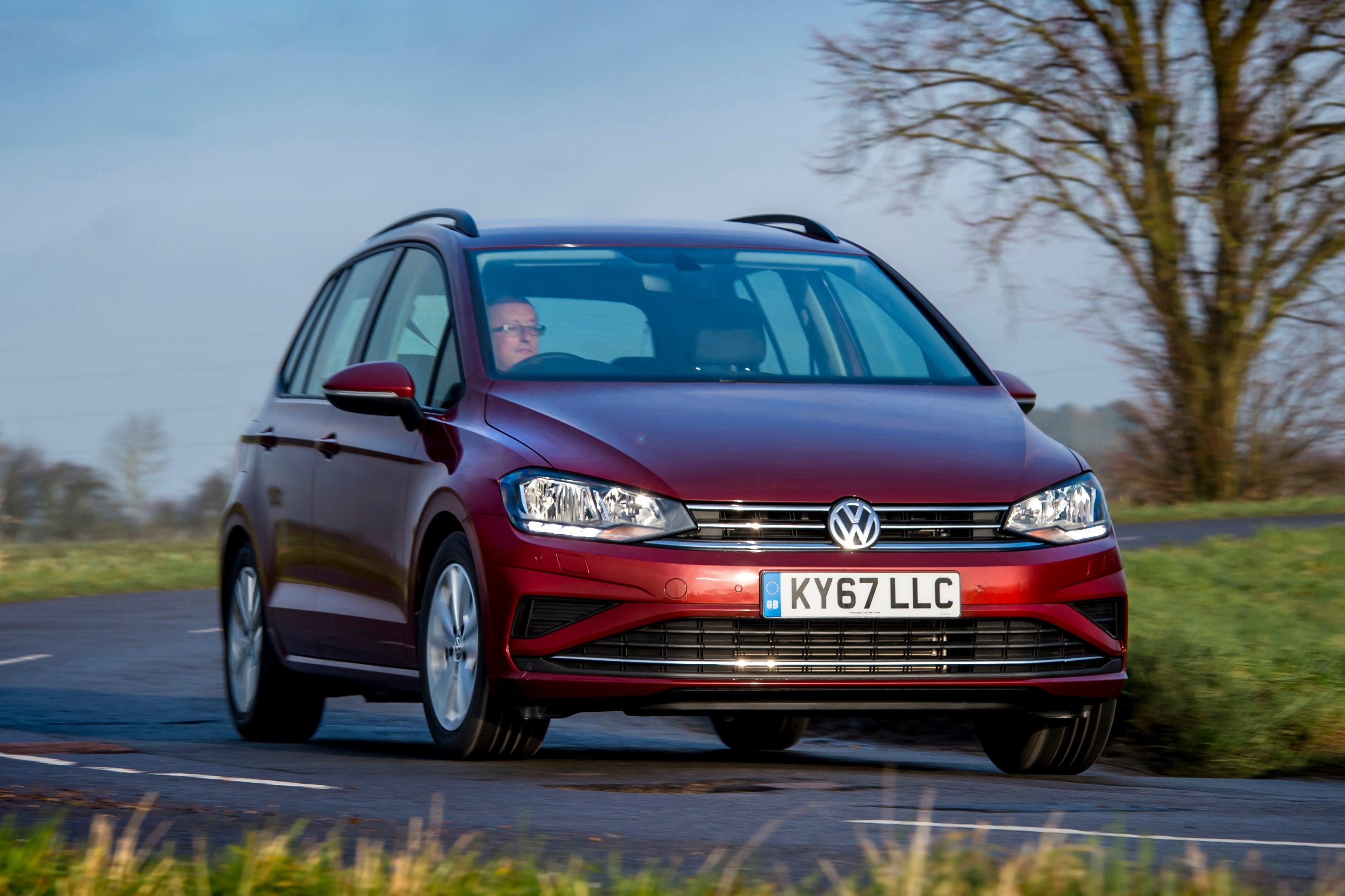 Volkswagen Golf SV Front View