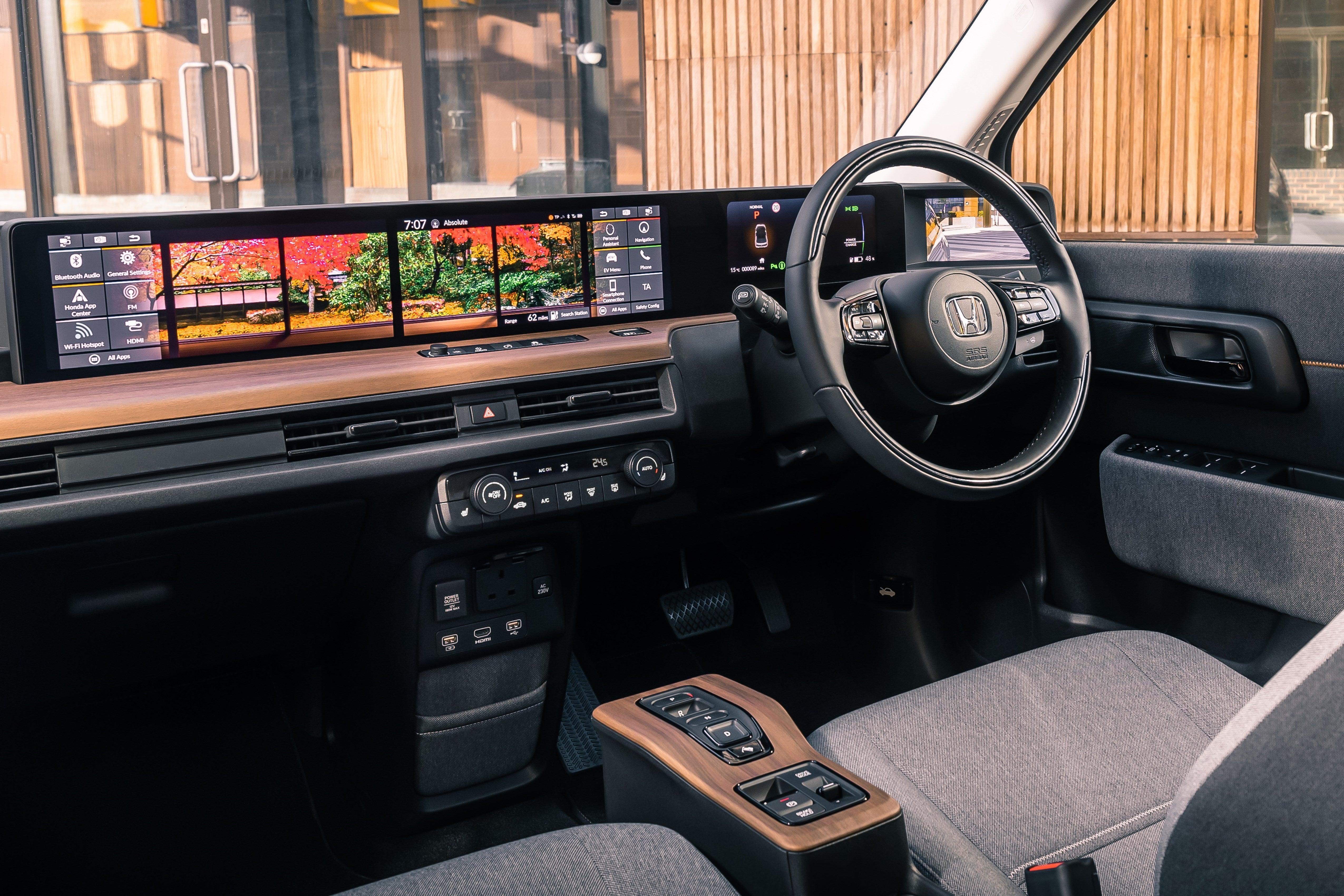Honda e interior