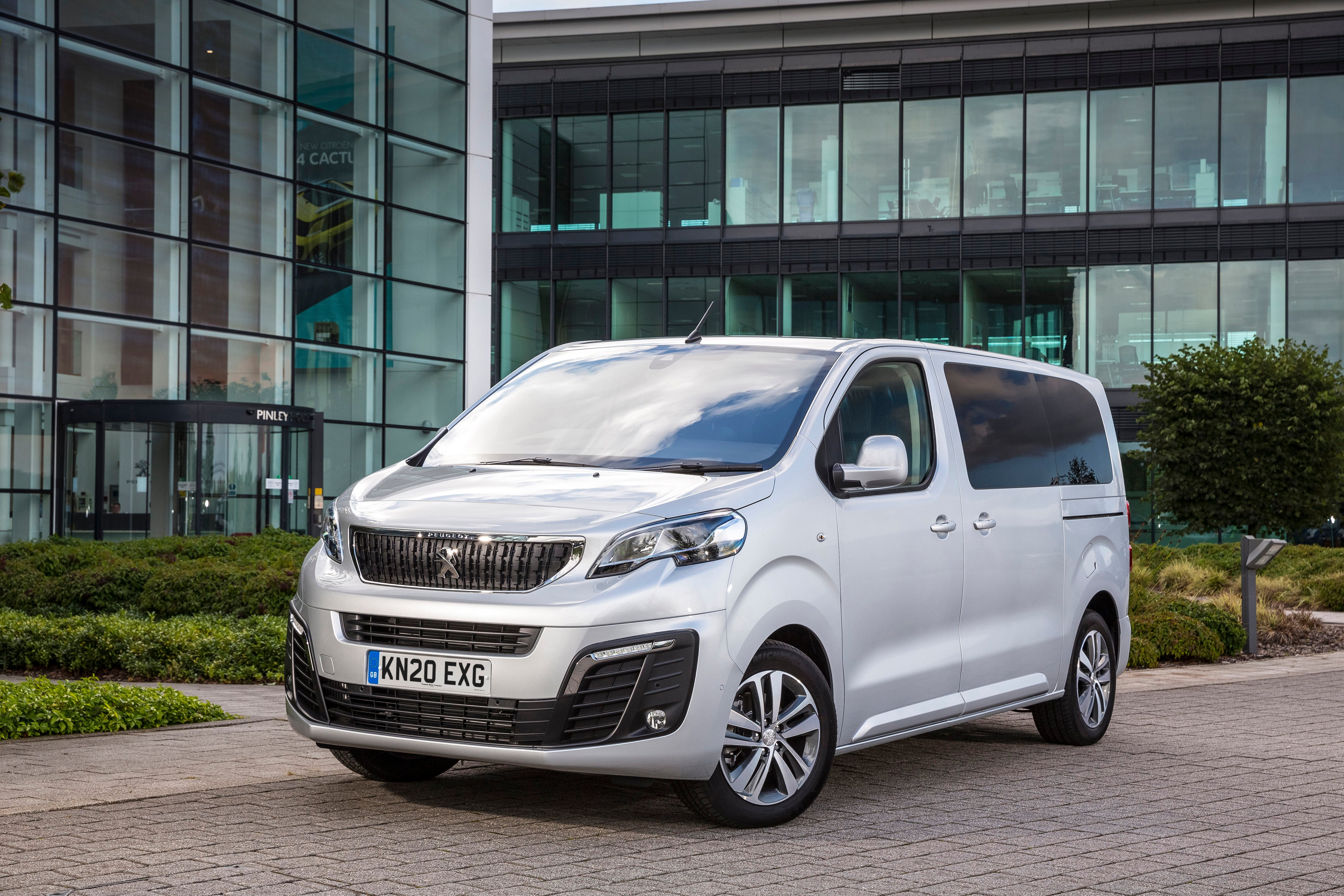 Peugeot Traveller Front View