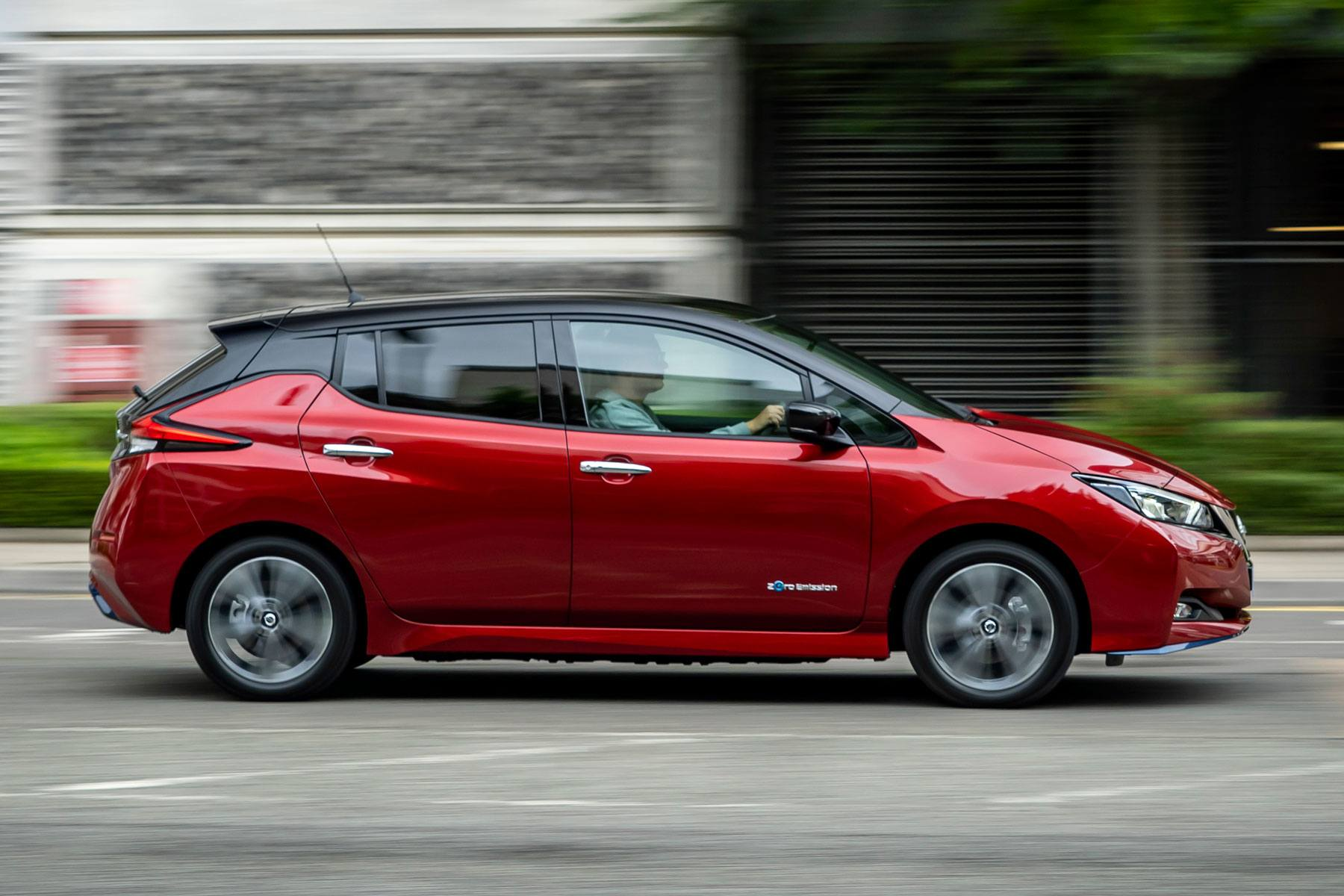Nissan Leaf 2018 right exterior