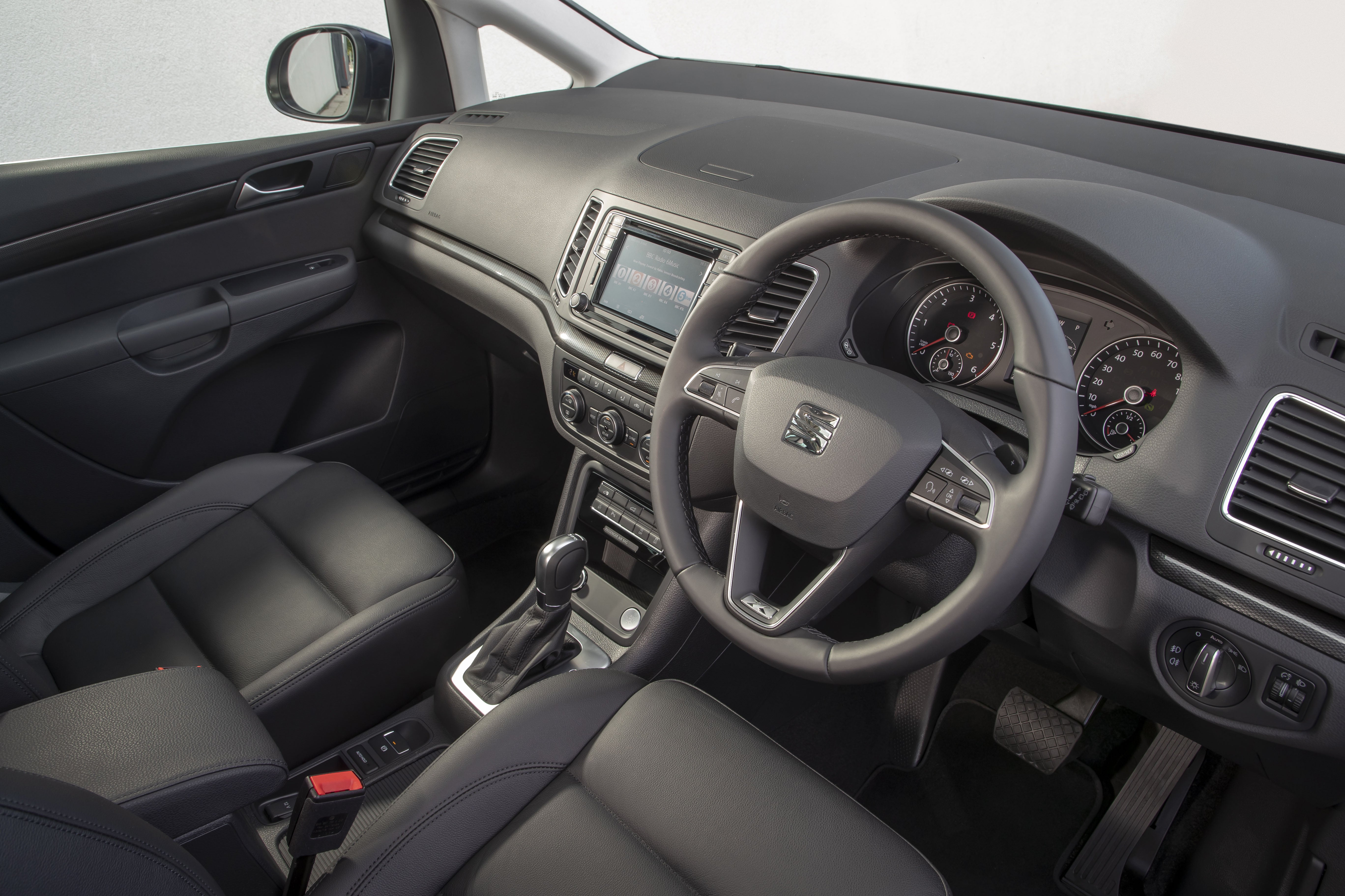 SEAT Alhambra Front Interior