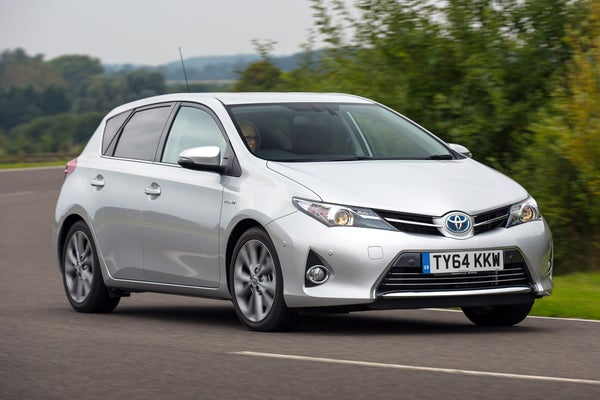 Toyota Auris Front Side View
