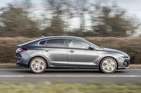 Hyundai i30 Fastback moving side
