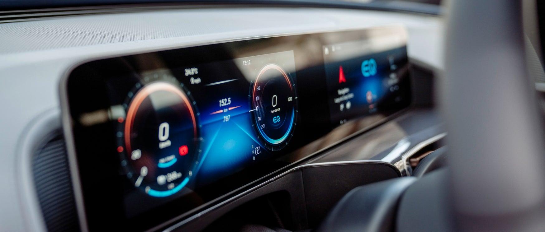 Mercedes EQC screen
