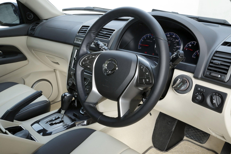 SsangYong Rexton W steering wheel
