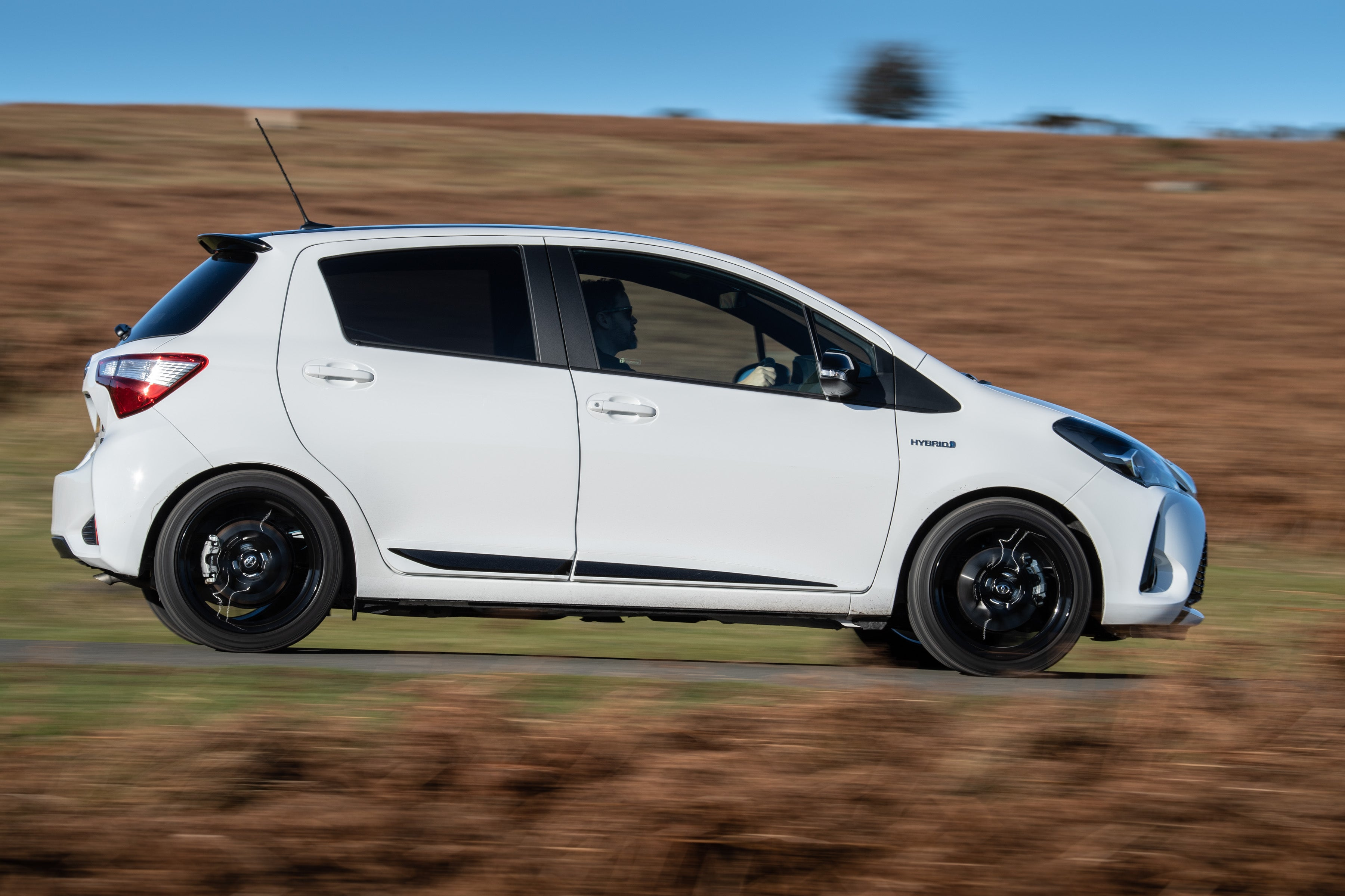 Toyota Yaris Right Side View