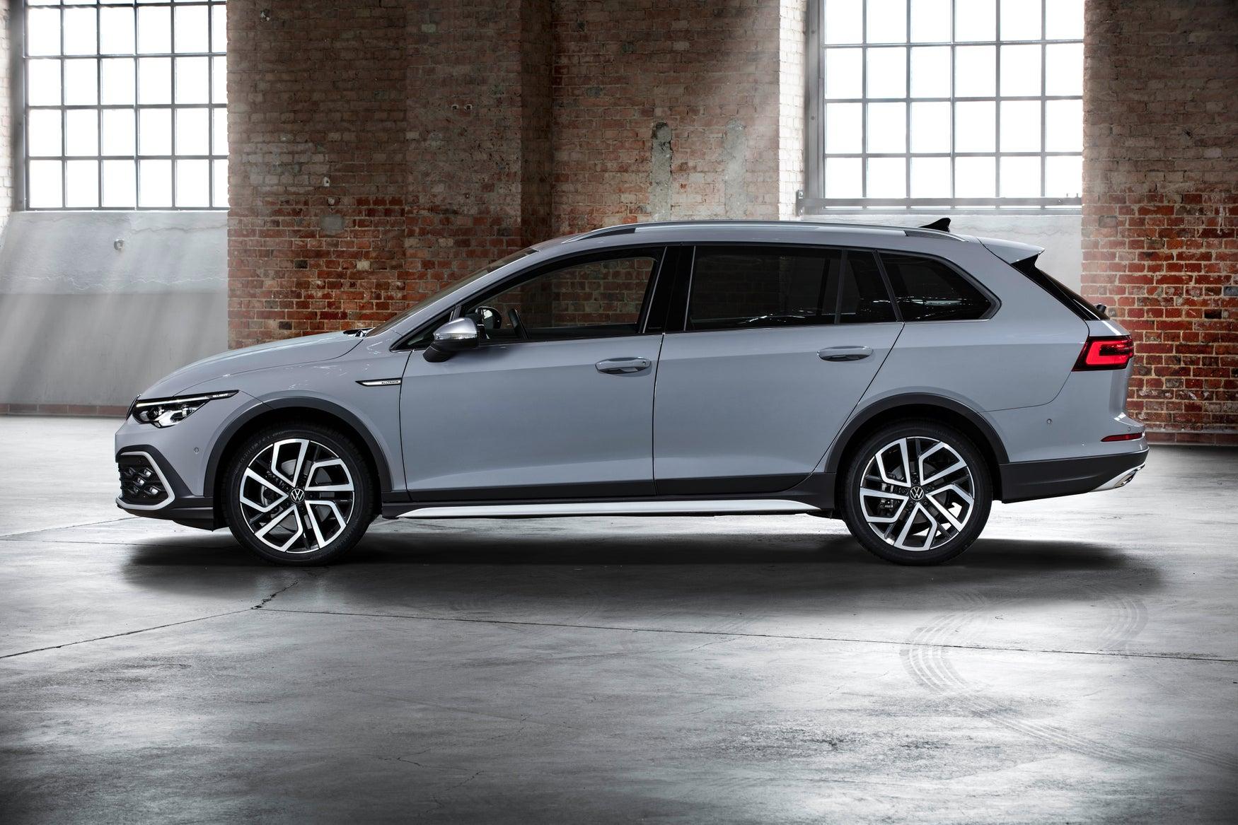 Volkswagen Golf Alltrack grey exterior static